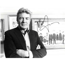 Albert Finney genuine authentic autograph signed photo.