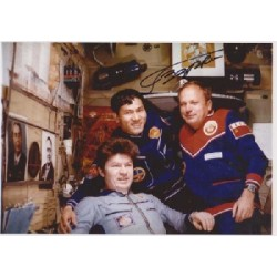 Cosmonaut Victor Gorbatko space genuine signed autograph photo 3