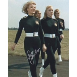 James Bond Caron Gardner genuine signed authentic autograph photo 2
