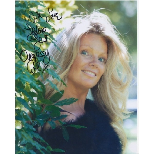 James Bond Helene Hunt genuine signed authentic signature photo
