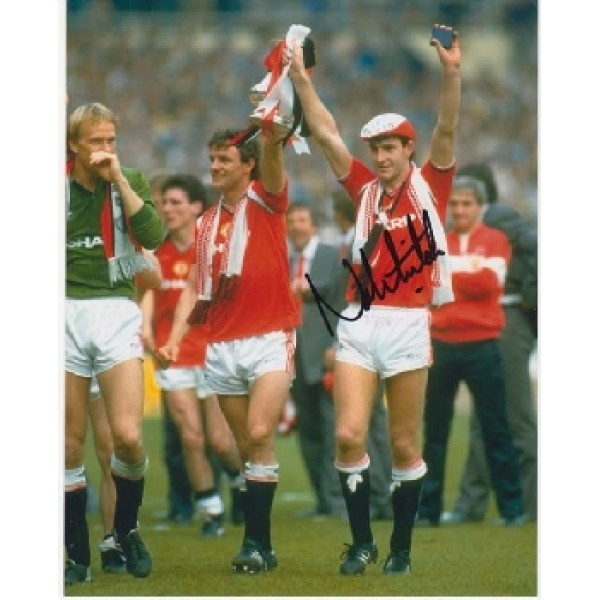 Man United Norman Whiteside signed autograph photo 3