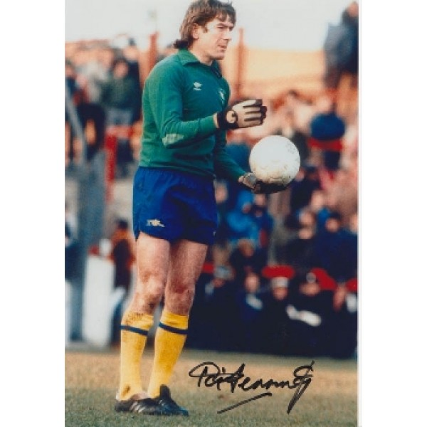 Spurs and Northern Ireland Pat Jennings signed original genuine autograph authentic photo
