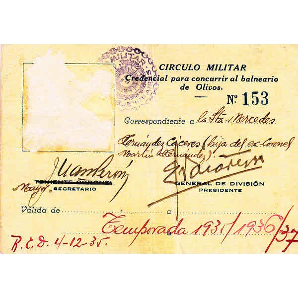 Juan Peron Argentine President genuine authentic autograph signed card.