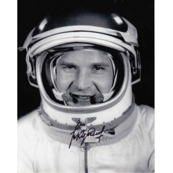 Cosmonaut Valery Kubasov genuine signed authentic autograph photo