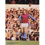 Bobby Moore  authentic genuine signed autograph