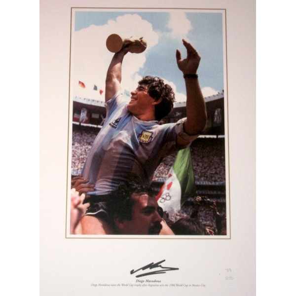 Diego Maradona signed authentic genuine signature