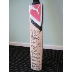 England Ashes Team 2011 genuine authentic signed signatures bat