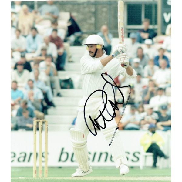 Graham Gooch original authentic genuine signed photo