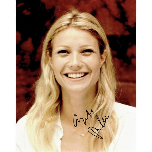 Gwyneth Paltrow  original authentic genuine autograph signed photo