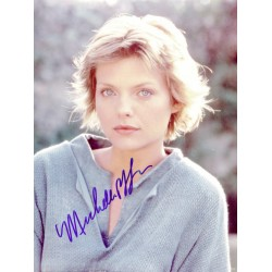 Michelle Pfieffer original authentic genuine signed photo