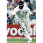 Monty Panesar original authentic genuine signed photo