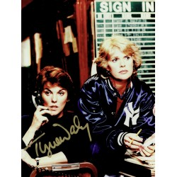 Tyne Daly  authentic genuine autograph signed photo