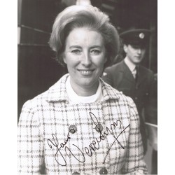 Vera Lynn signed authentic genuine signature