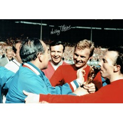 Nobby STILES Signed Autograph 18x12 England 1966 Classic Photo