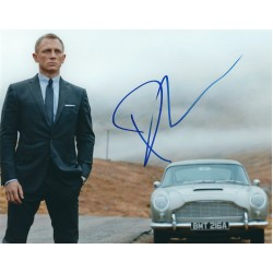 Daniel Craig Signed 8 x 10 Photo - James Bond 007 Skyfall Autograph