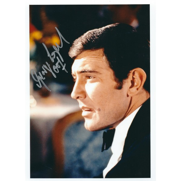 George Lazenby Signed 8 x 10 Photo - James Bond 007 Autograph