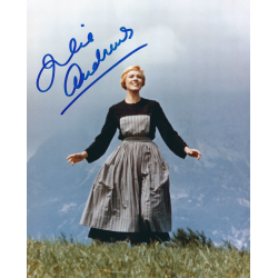 Julie Andrews Signed 8 x 10 Photo - The Sound of Music Autograph