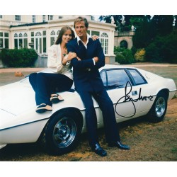 Roger Moore signed 007 James Bond 8x10 Photograph