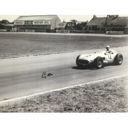 Stirling Moss Signed 16x12 Photograph Formula 1